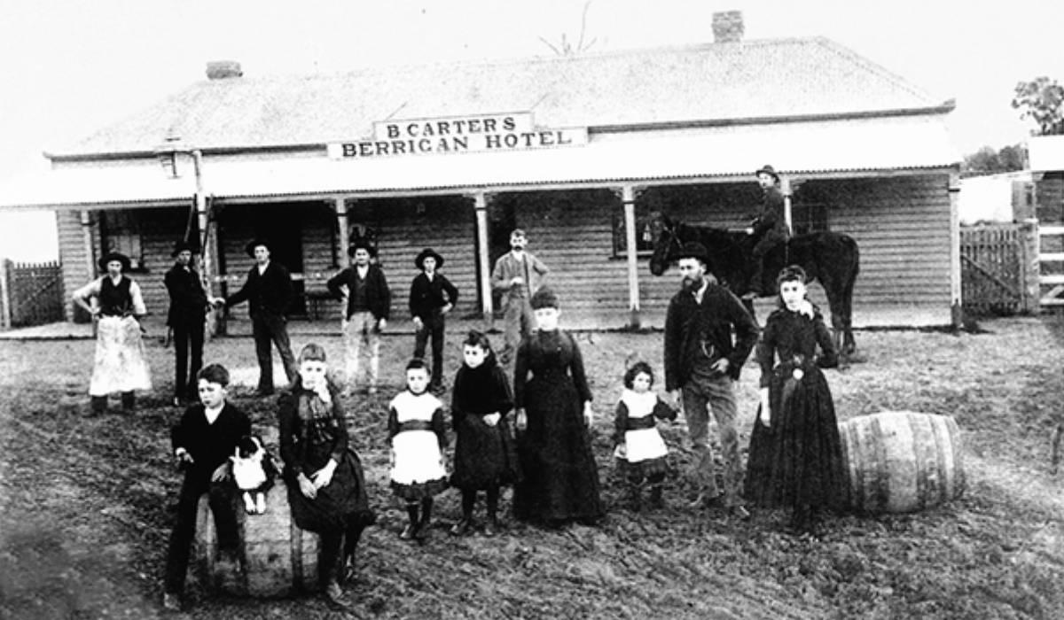Carters Berrigan Hotel built 1888